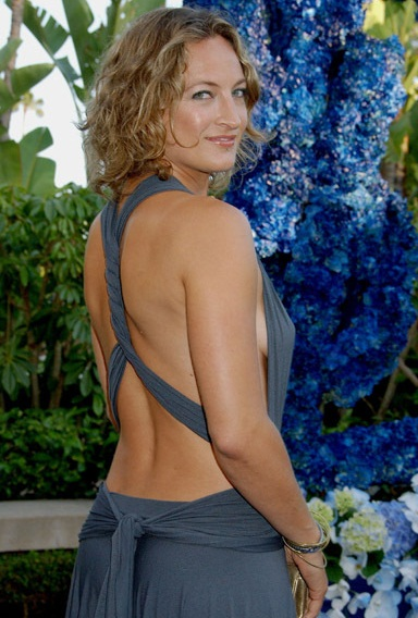http://pjensi.files.wordpress.com/2010/01/zoe-bell-021.jpg%3Fw%3D490