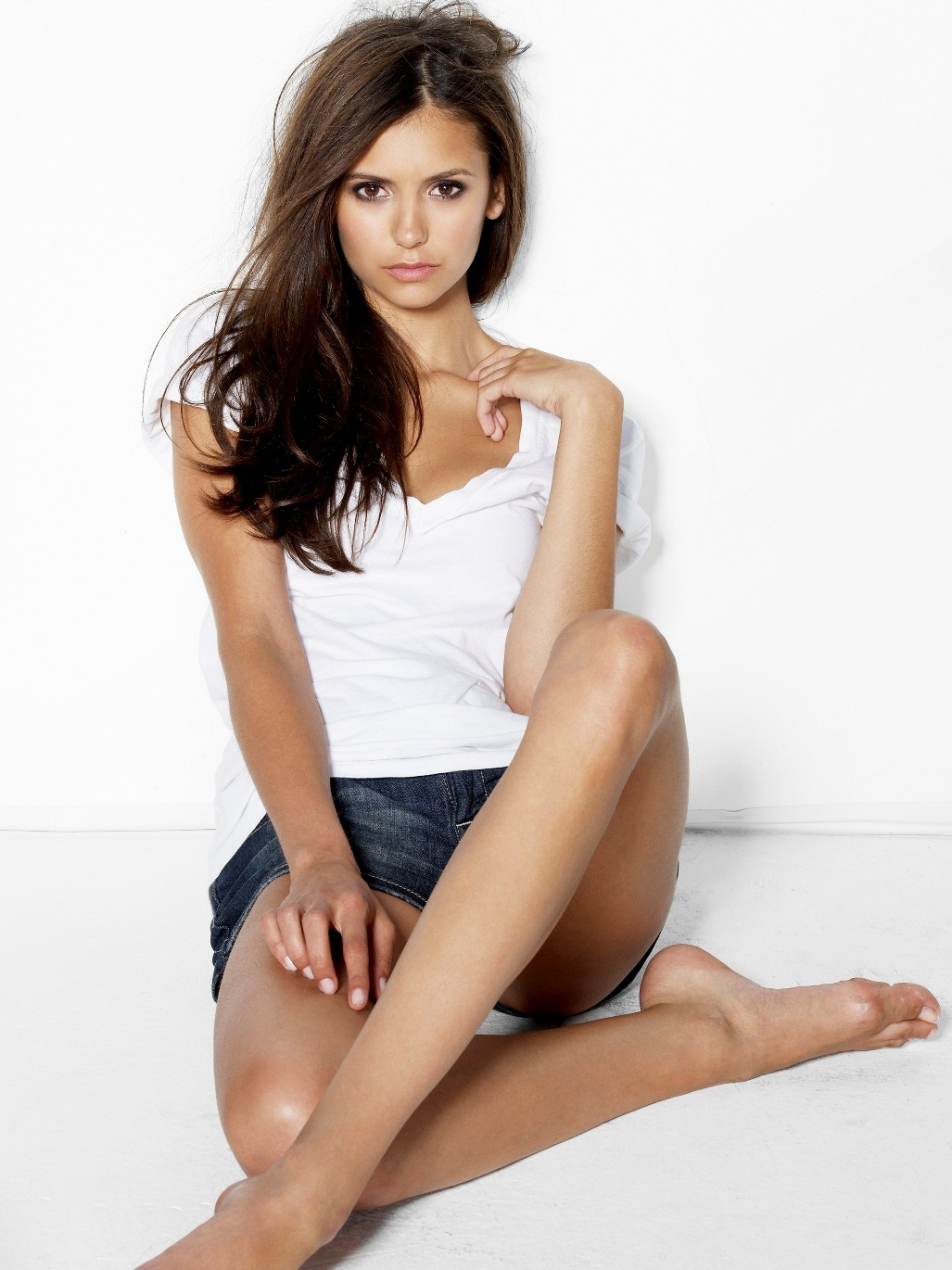 NINA DOBREV : MOST BEAUTIFUL YOUNG ACTRESS
