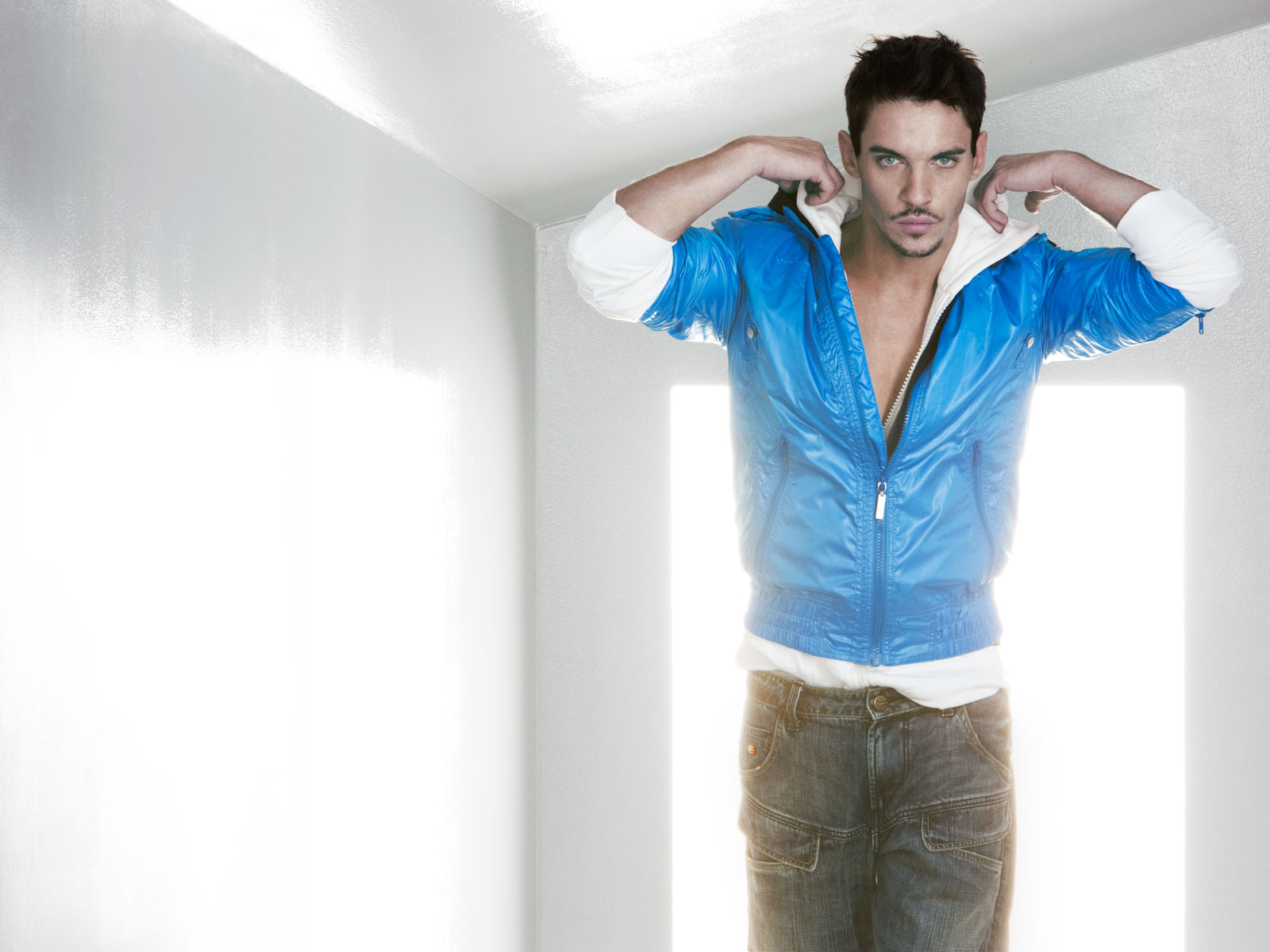 Jonathan rhys meyers gay