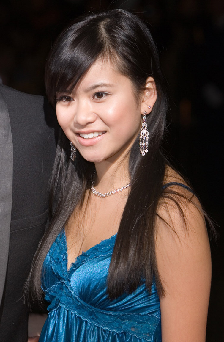 Katie Leung Nude Photos 36