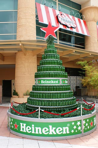 beer-bottle-christmas-tree-16