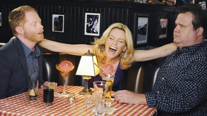 Elizabeth Banks 10 in the Bar None