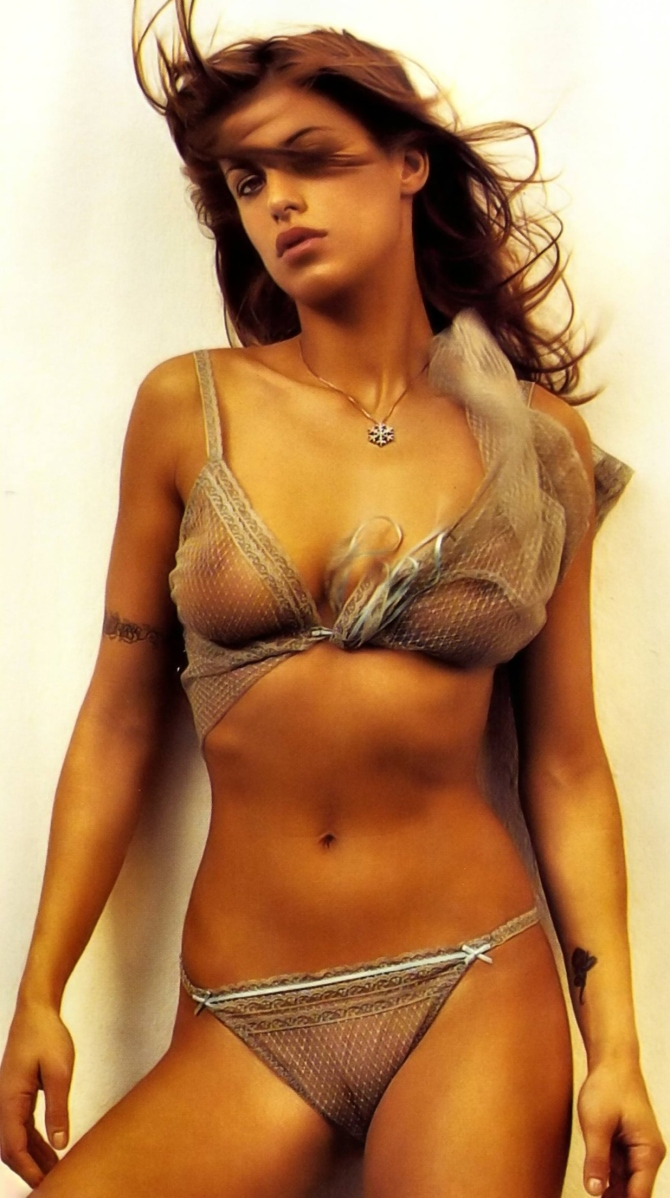 Elisabetta Canalis 01 see through camel toe