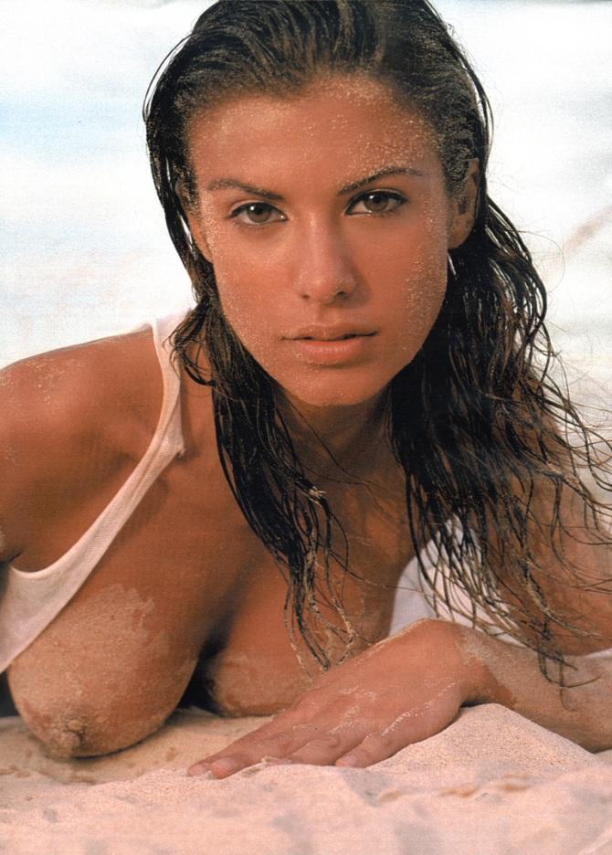 Elisabetta Canalis 03 nip slip