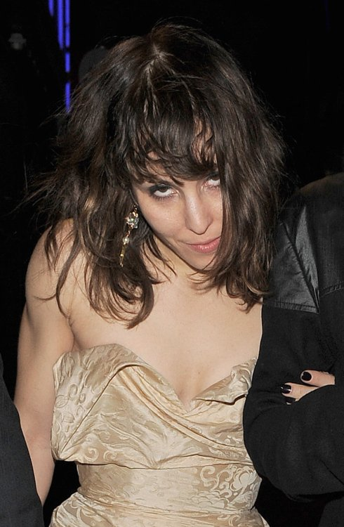 Noomi Rapace 06 leaving the Bar None