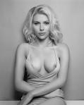 Scarlett Johansson nip slip