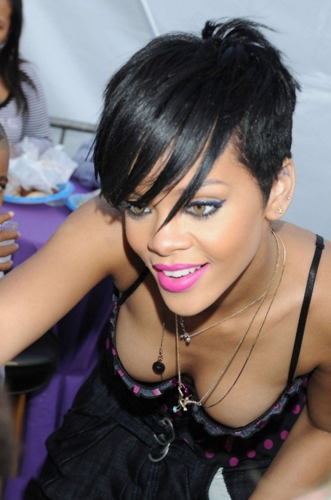 Rihanna 03 down blouse