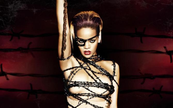 Rihanna 04