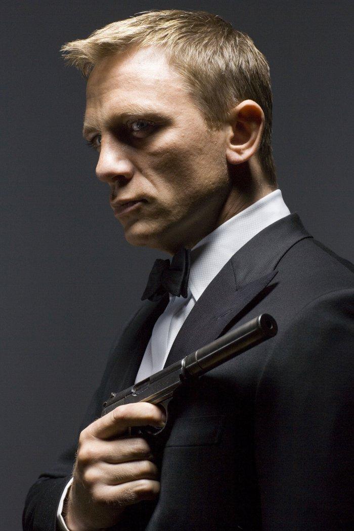 Daniel Craig 01 Skyfall Bar None Booze Revooze