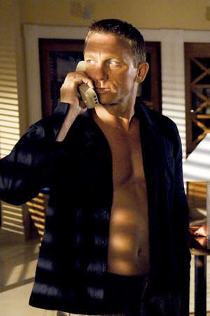 Daniel Craig 06 Buttons Bar None Booze Revooze