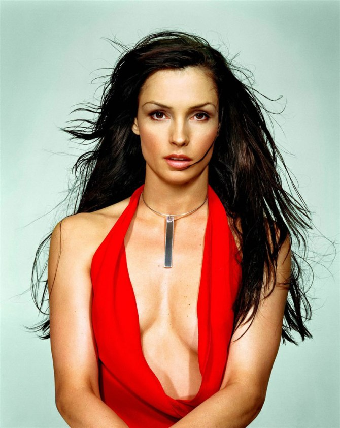 Famke Janssen 02 Bar None Booze Revooze