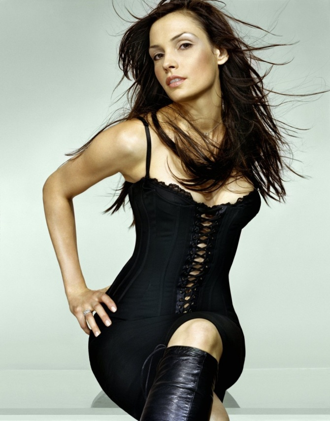 Famke Janssen 04 Bar None Booze Revooze