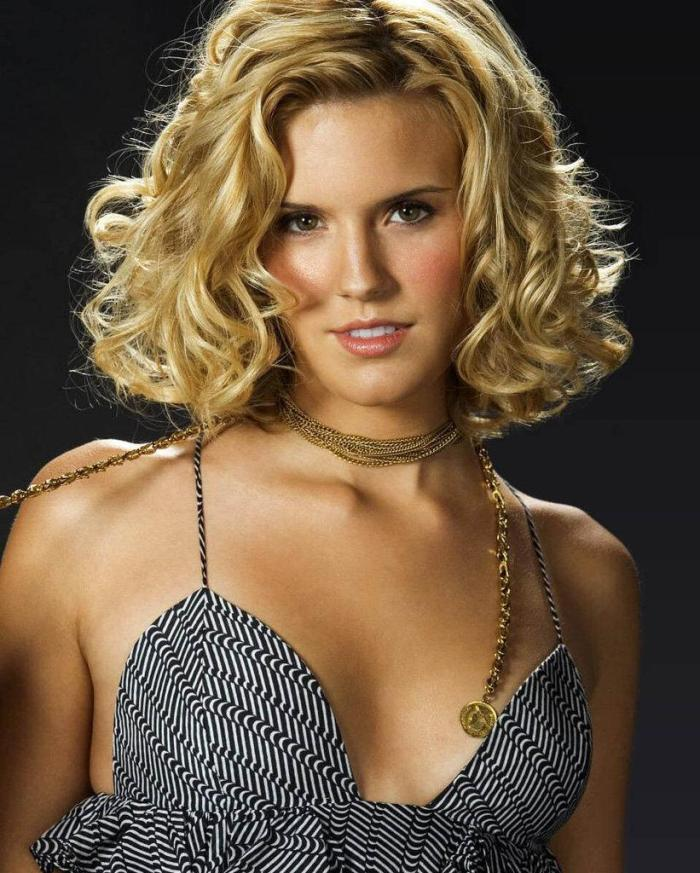 Maggie Grace 04 Bar None Booze Revooze