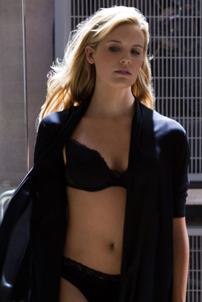 Maggie Grace 07 Bar None Booze Revooze