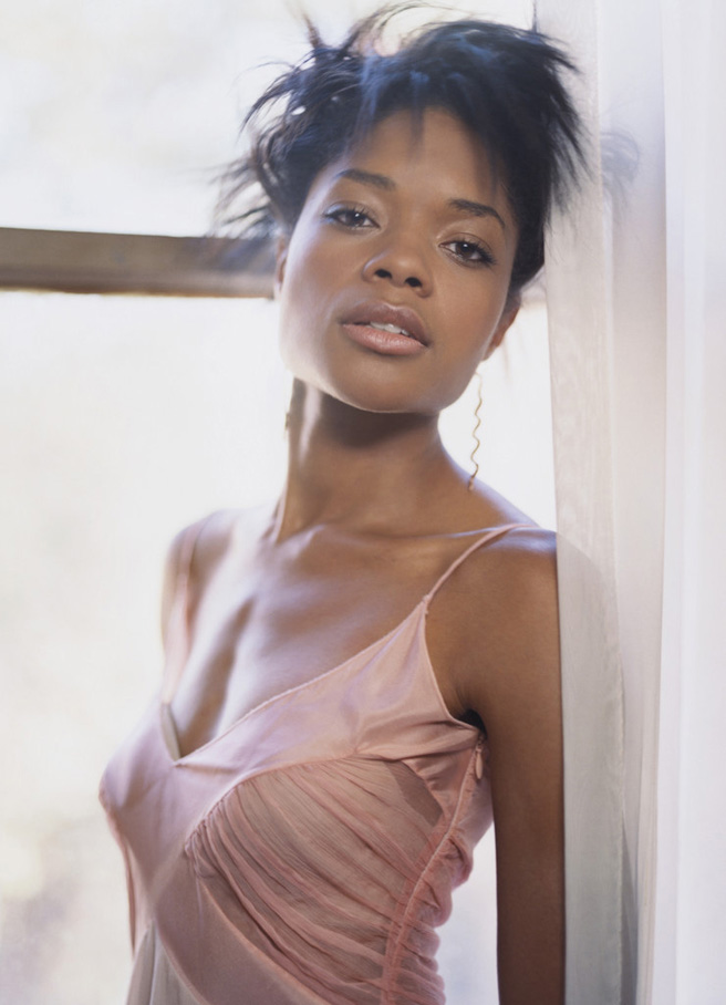 Naomie Harris 04 Bar None Booze Revooze