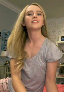Paranormal 4 Bar None Nooze Revooze 07 Kathryn Newton