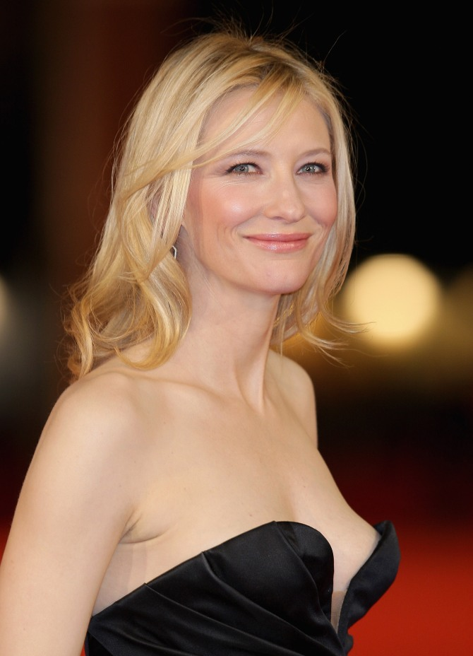 Cate Blanchett 01 downblouse The Hobbit Bar None Booze Revooze