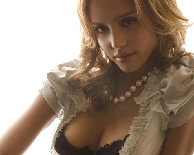 Jessica Alba 08 downblouse bar none dregs
