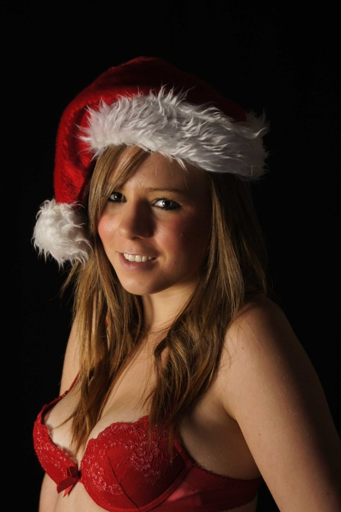 Sexy Santa's Helper 03 downblouse Bar None Dregs