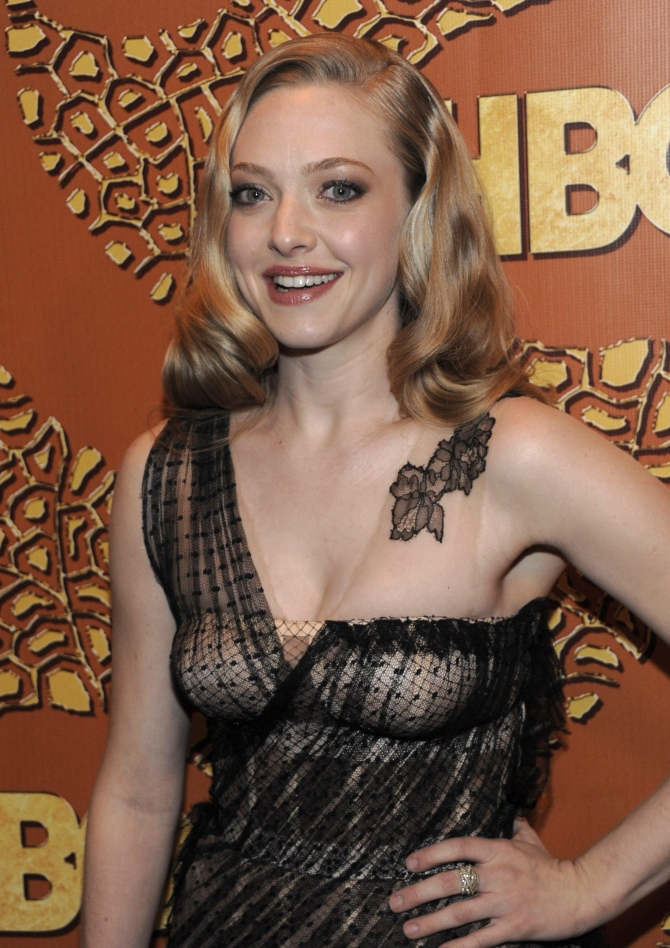 Amanda Seyfried 03 bar none booze revooze