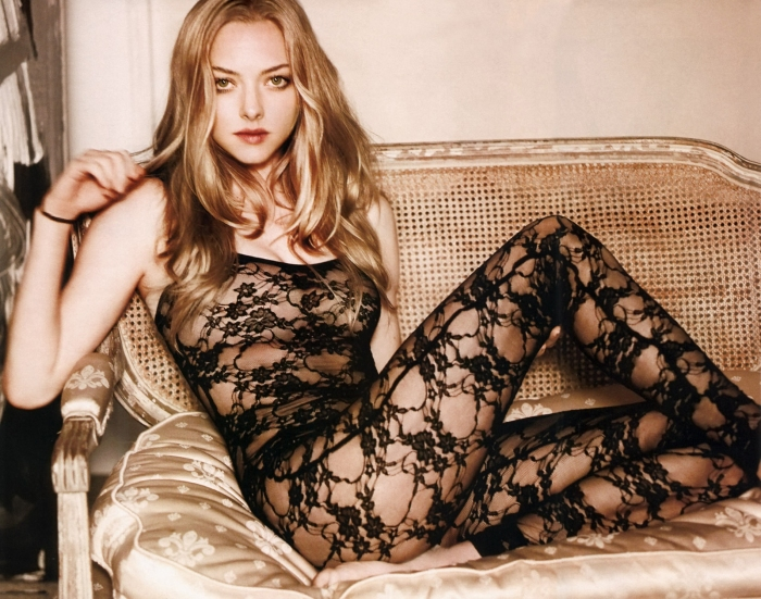 Amanda Seyfried 05 bar none booze revooze
