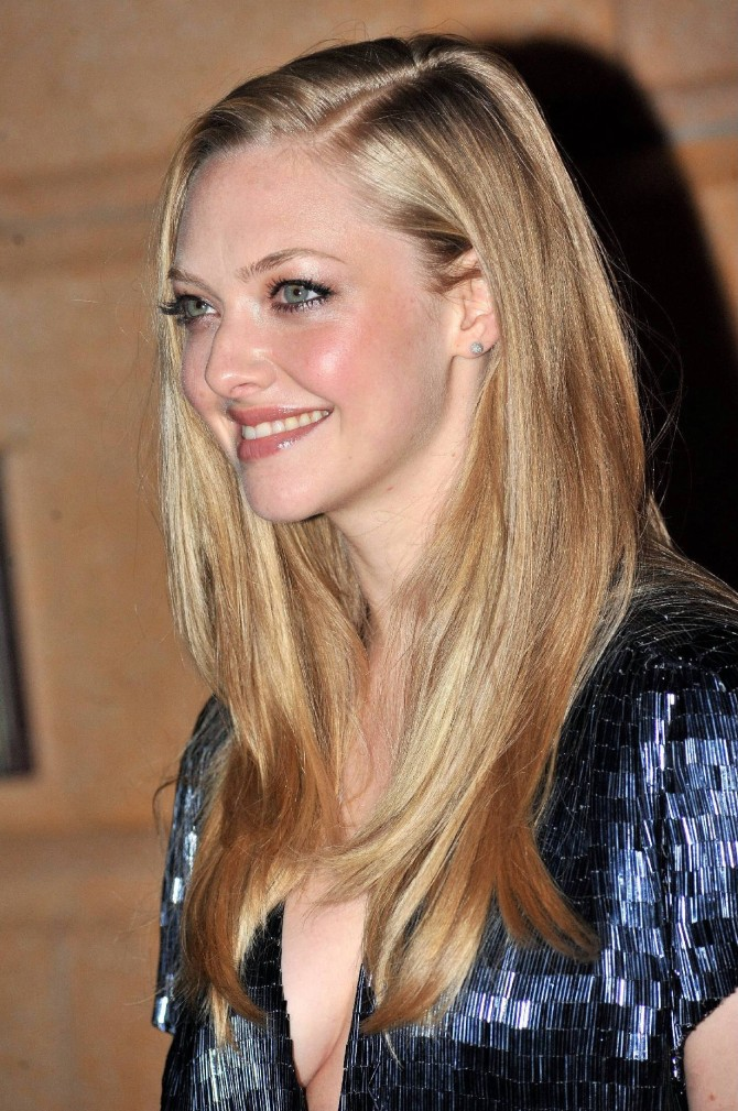 Amanda Seyfried 06 bar none booze revooze
