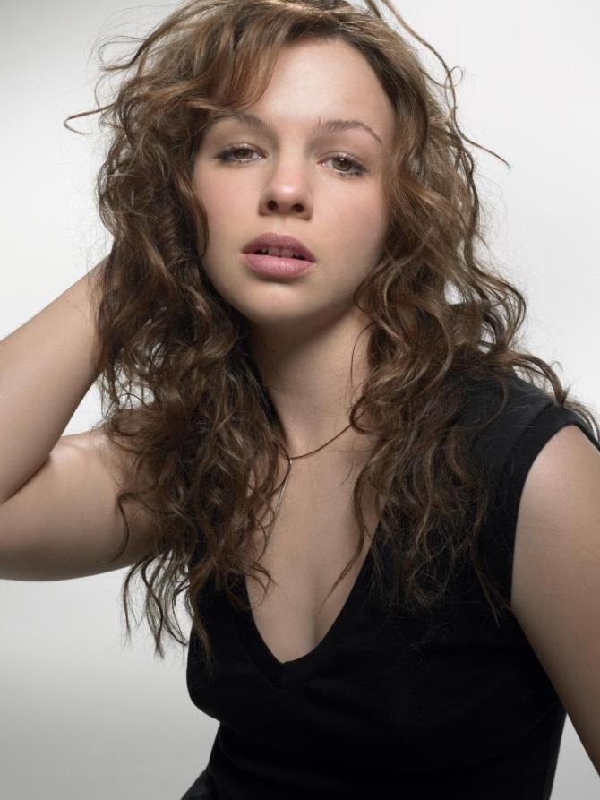 Amber Tamblyn 04 bar none booze
