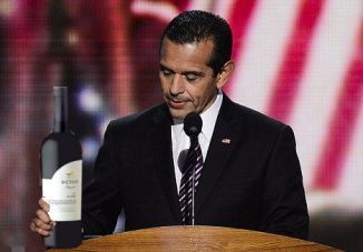 Antonio Villaraigosa 03 bar none dregs