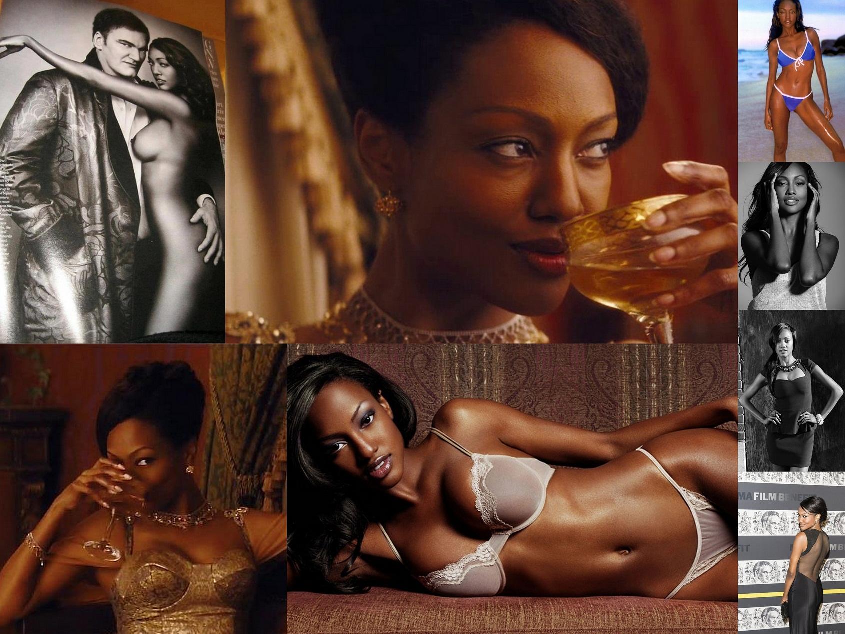 Rihanna naked boobs