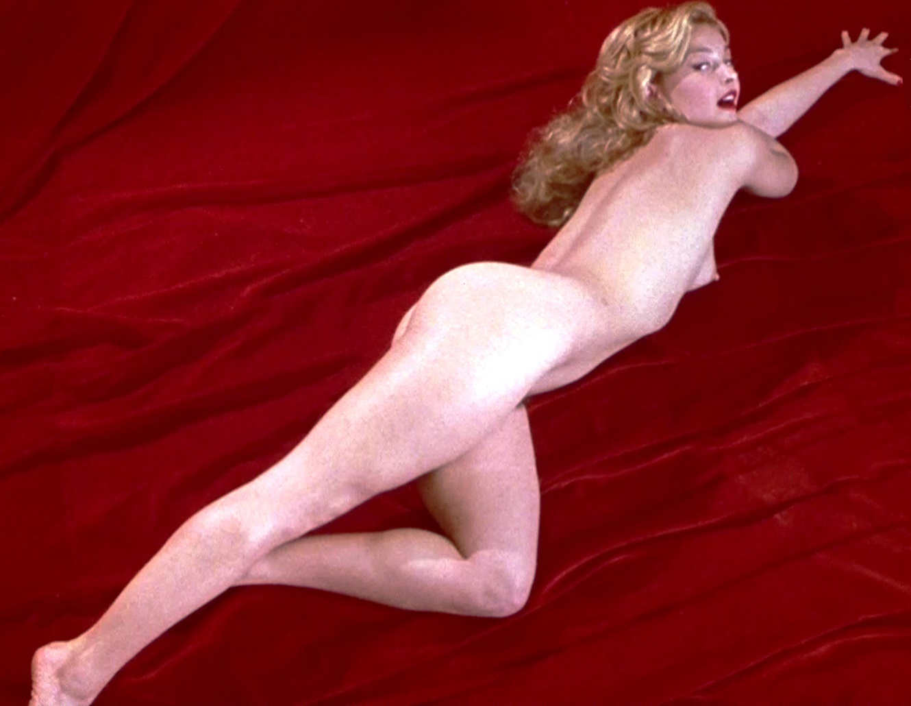 ashley judd naked butt