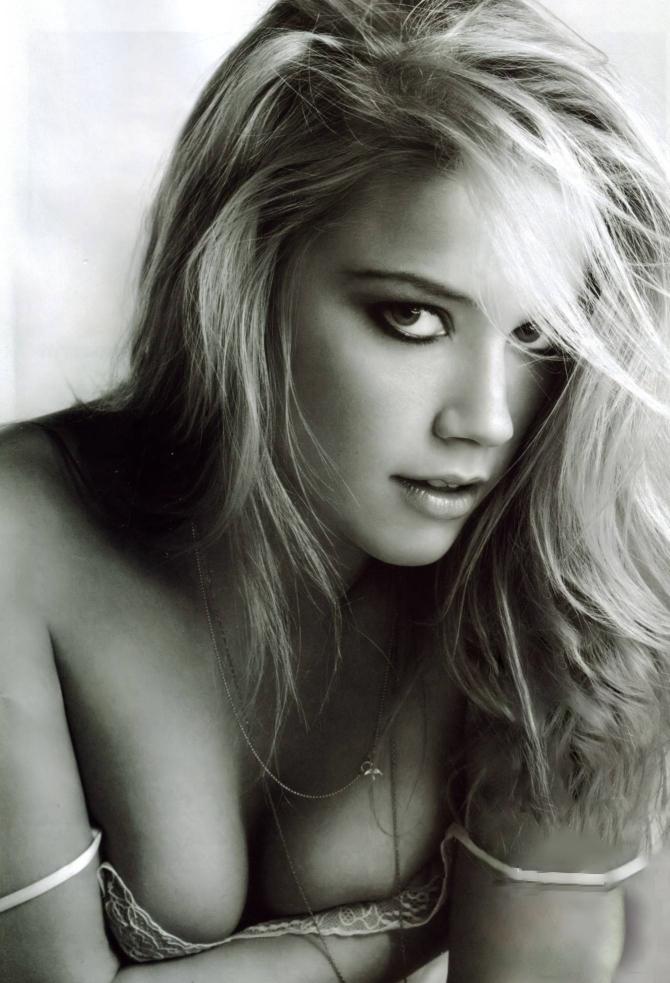 Amber Heard 01 Nip Slip Bar None Dregs AlKHall