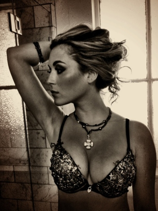Alexa Vega Used 02 Machete Kills (Al K Hall Bar None Booze Revooze)