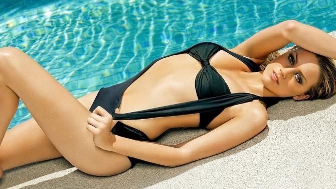 Amber Heard 06 Machete Kills (AlKHall Bar None Booze Revooze)