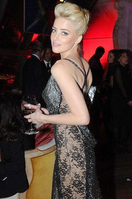 Amber Heard 08 in the Bar None Machete Kills (AlKHall Bar None Booze Revooze)