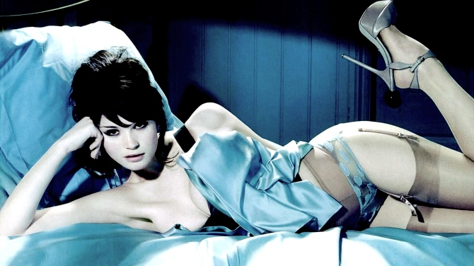 Gemma Arterton 04 Runner Runner (Al K Hall Bar None Booze Revooze)