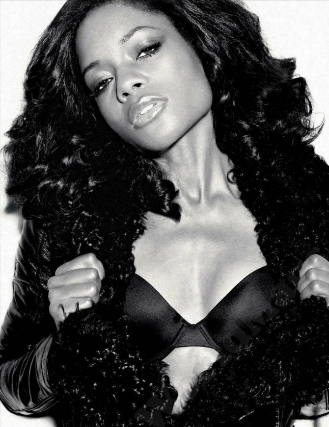 Naomie Harris 02 (AlKHall Booze Revooze Mandela)
