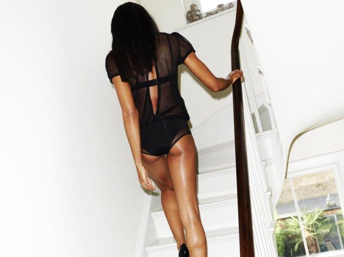 Naomie Harris 08 AssAssin panties (AlKHall Booze Revooze Mandela)