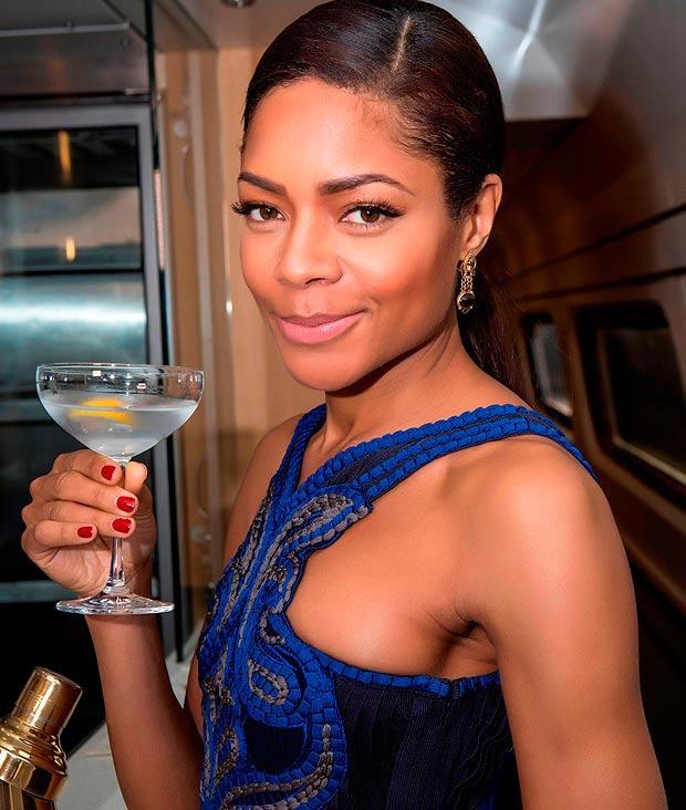Naomie Harris 09 in the Bar None (AlKHall Booze Revooze Mandela)