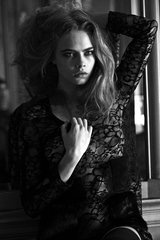 Cara Delevingne 06 see through (AlKHall Bar None)