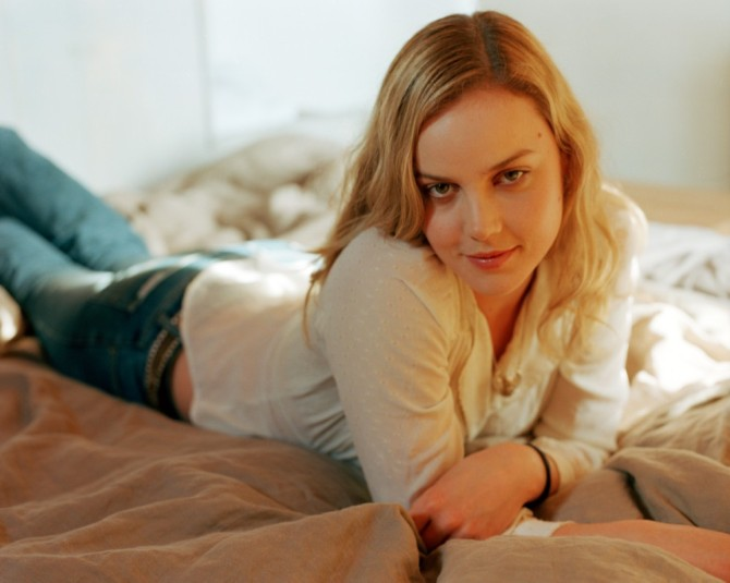 Abbie Cornish 07 Bar None Booze Revooze AlKHall