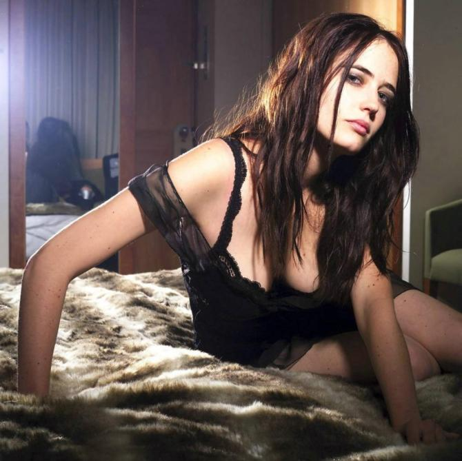 Eva Green 01 (AlKHall Bar None Booze Revooze)