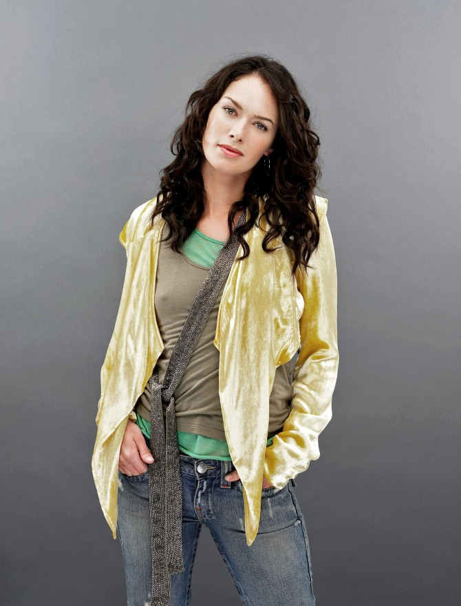 Lena Headey 08 (AlKHall Booze Revooze Bar None)
