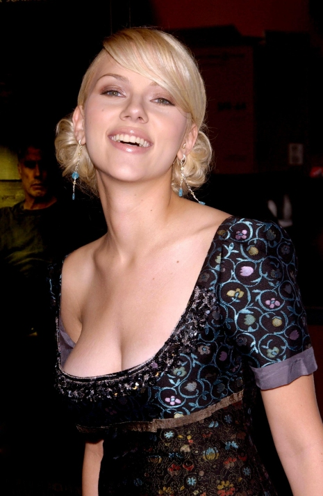 Scarlett Johansson 01 downblouse (AlKHall Booze Revooze Bar None Captain America)
