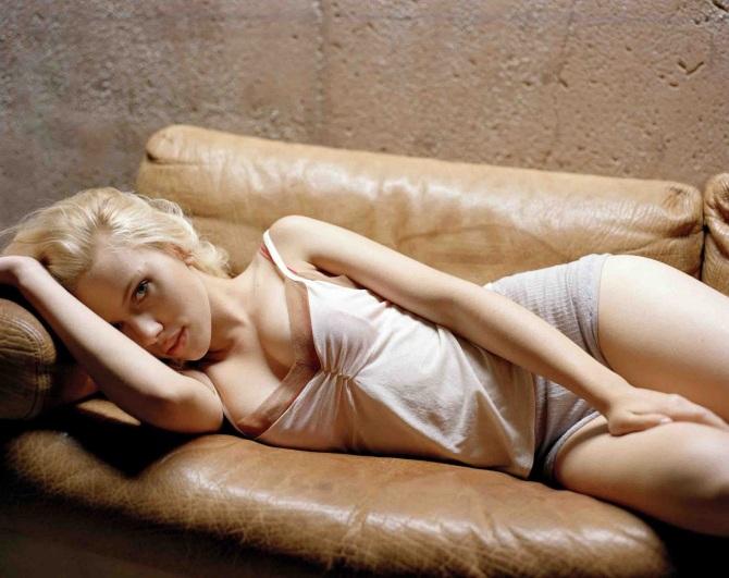 Scarlett Johansson 06 (AlKHall Booze Revooze Bar None Captain America)