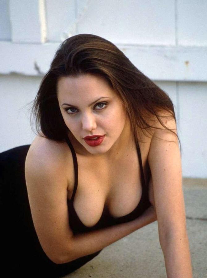 Angelina Jolie 04 (AlKHall Bar None Booze Revooze)