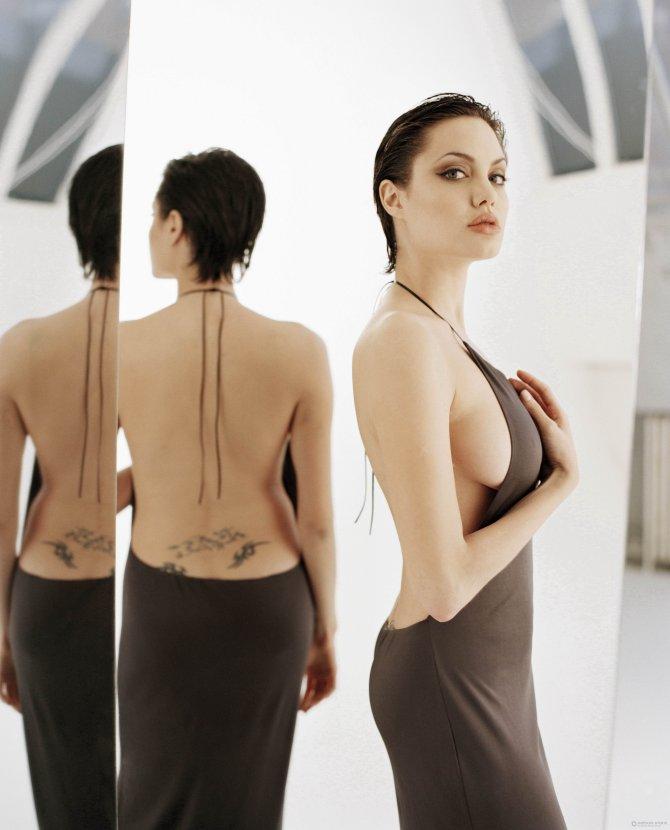 Angelina Jolie 05 (AlKHall Bar None Booze Revooze)