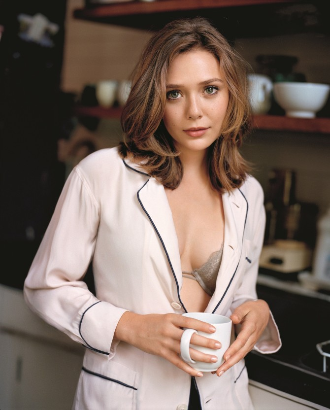 Elizabeth Olsen 03 (AlKHall Bar None)
