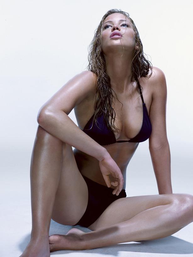 Jennifer Lawrence 01 bikini (AlKHall Bar None Booze Revooze)