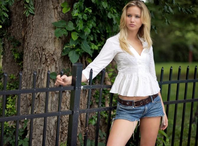 Jennifer Lawrence 03 (AlKHall Bar None Booze Revooze)