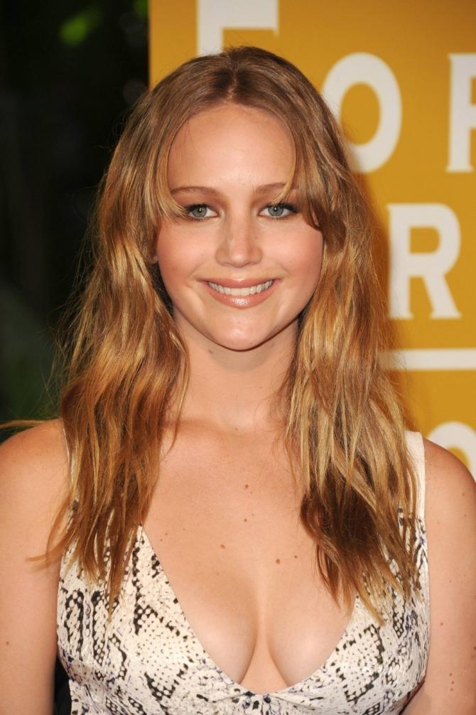 Jennifer Lawrence 04 (AlKHall Bar None Booze Revooze)
